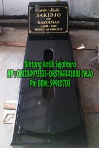 Makam Batu Granit Jakarta