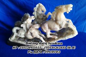 Patung Kuda Renteng Onyx Tulungagung